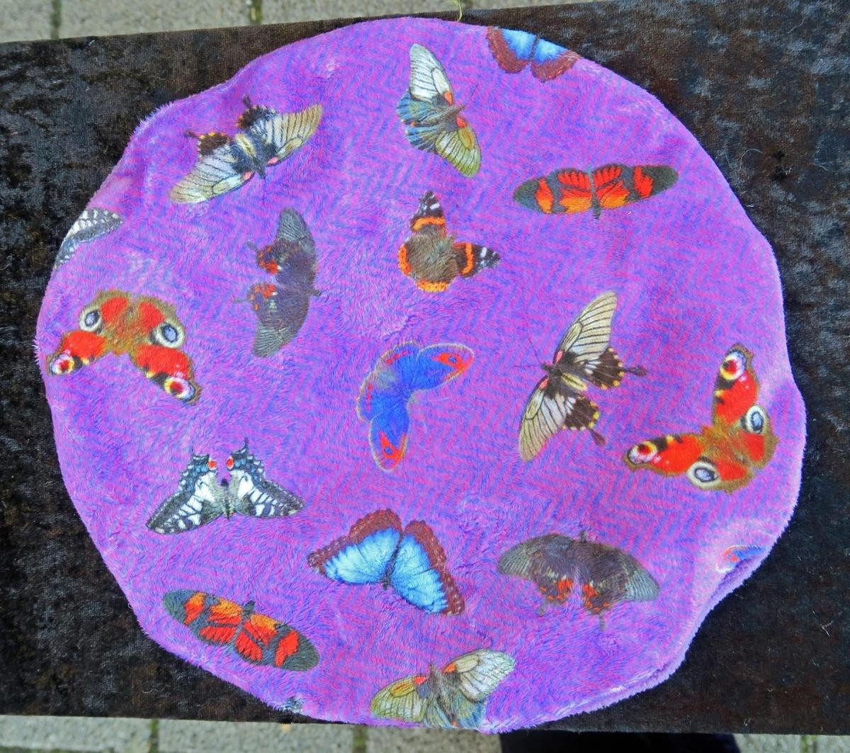 beret_butterflies_purpl_purl_blk_b