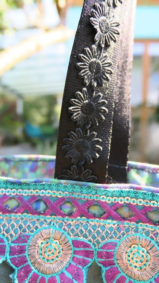 Detail Borten Tasche Wasserlilien